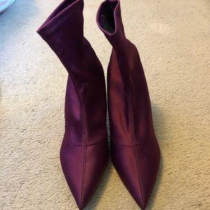 Zara women's burgundy bootie